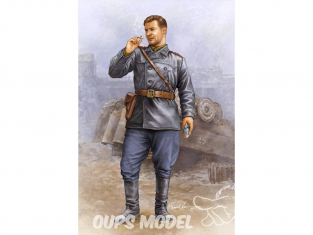 Trumpeter figurine militaire 00702 TANKISTE SOVIETIQUE Vol.2 1/16