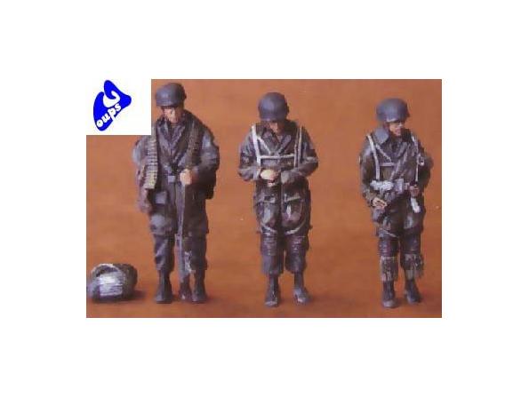 CMK figurine 48055 PARACHUTISES ALLEMANDS 1/48