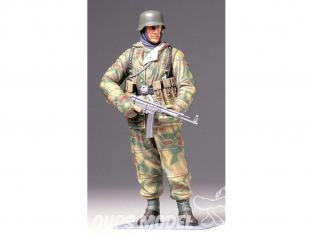 Tamiya maquette militaire 36304 Soldat d'infanterie allemand avec uniforme d'hiver reversible WWII 1/16