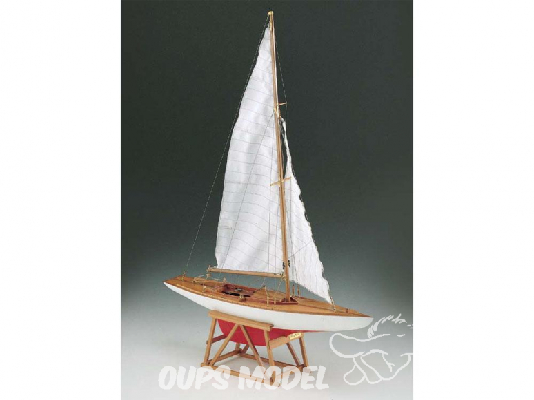 Corel bateaux bois SM51 Dragone Monotype classe internationale 1/25