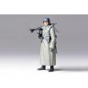 Tamiya maquette militaire 36306 Mitrailleur Allemand en manteau WWII 1/16