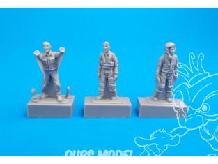 Cmk kit figurine F72308 Deux pilotes et un mecanicien Français pour le mirage F.1B Special Hobby 1/72