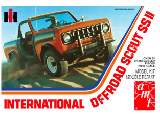 AMT maquette voiture 1102 International Scout II 1/25