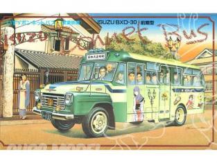 Arii maquette camion 71181 Isuzu Bonnet bus BXD30 1/32
