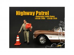 American Diorama figurine AD-77514 Police Autoroute - Collecte de cônes de signalisation 1/24