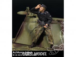 Rado miniatures figurines RDM35013 Achtung Jabo ! - W-SS NCO w/MP40 1944 1/35