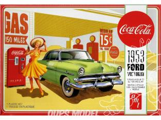 AMT maquette camion 1146 Ford Crestline Victoria 1953 Hardtop avec Coca-Cola Machine 1/25