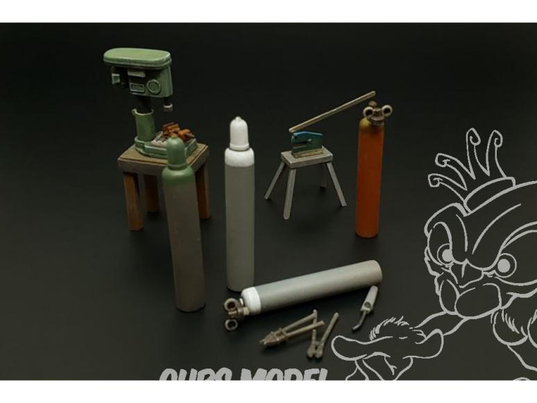 Hauler accessoires diorama HLU35117 Fraiseuse Cisailles a tole et bouteilles d'acétylène 1/35