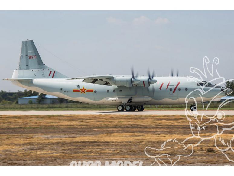 Hobby Boss maquette avion 83902 Shaanxi Y8 avions de transport chinois 1/144