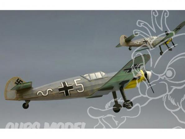 Maquette DUMAS AIRCRAFT 225 avion bois Messerschmitt ME-109 G