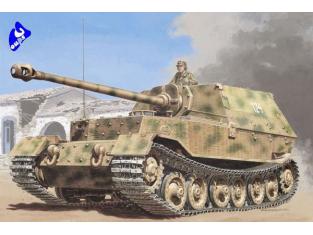 italeri maquette militaire 7012 Sd.Kfz. 184 Panzerjäger Elefant 1/72