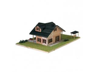 Artesania Latina maquette bois 30604 Chalet bois moderne avec auvent 1/72