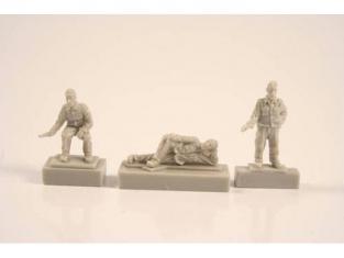 Cmk figurine F72251 EQUIPAGE DE U-BOAT IX - AU REPOS DANS SES QUARTIERS 1/72