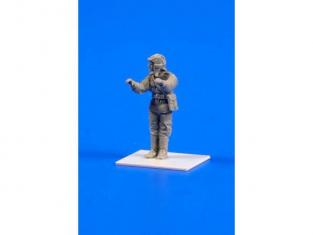 Cmk figurine F72281 Soviet WW II Equipage plus soldat pour T-34 (4 fig.) 1/72