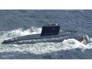 BRONCO maquette bateau nb 5011 Sous-marin d'attaque Kilo Type 636 1/350