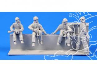 CMK Personnage resine F72288 SOLDATS SOVIETIQUES MONTES SUR CHARS WWII 1/72