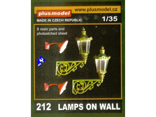 Plus Model 212 LAMPADAIRES MURAUX 1/35